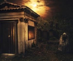 История о страшном призраке-стороже кладбища